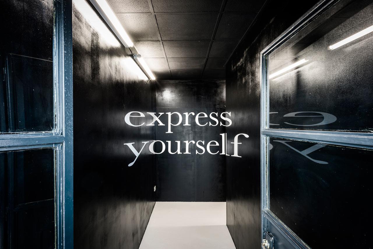 zerogloss-design-store-interior-5