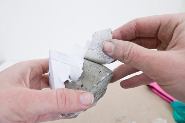 DIY Concrete Bauble Garland