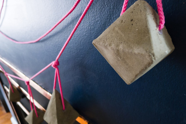 DIY Concrete Bauble Garland