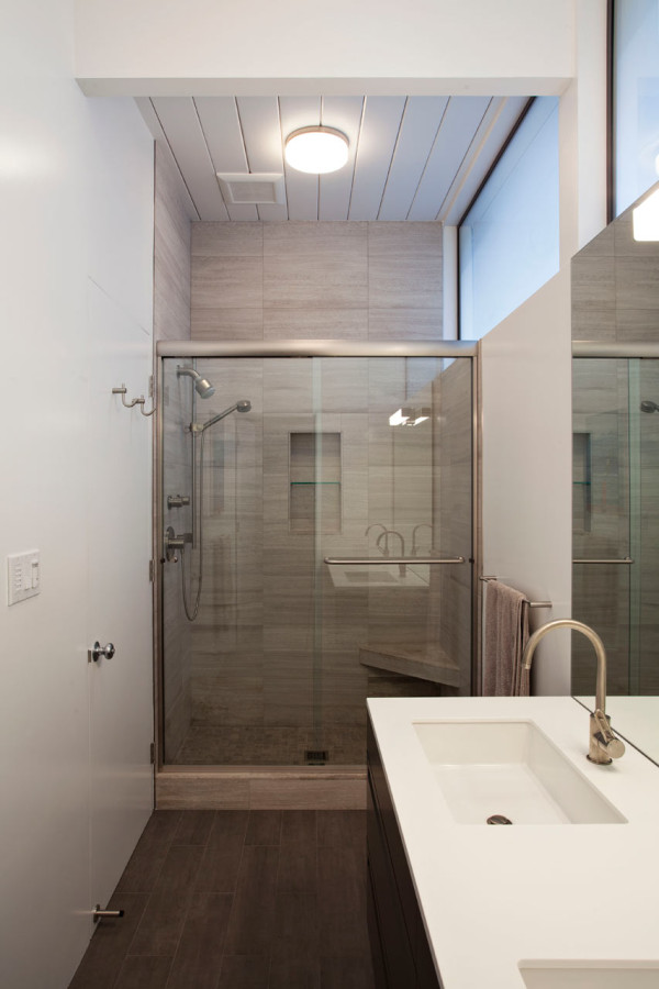 Eichler-Expansion-Klopf-Architecture-8-bathroom