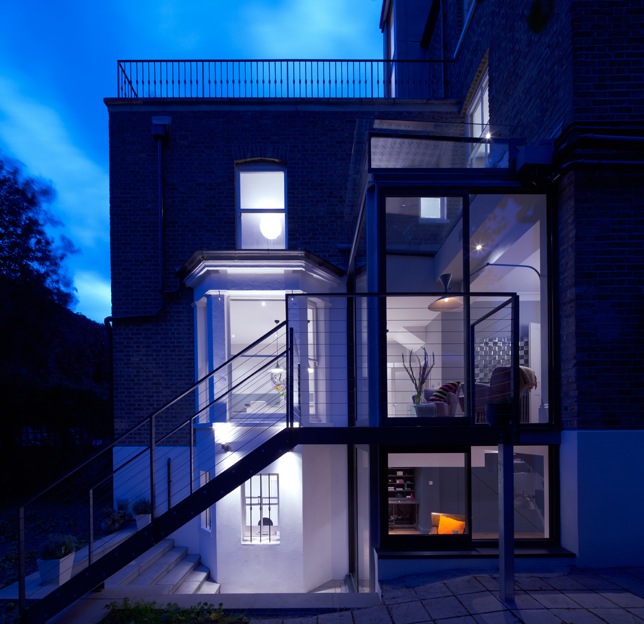 Modern Glass Extension on a 5-Story London Townhouse