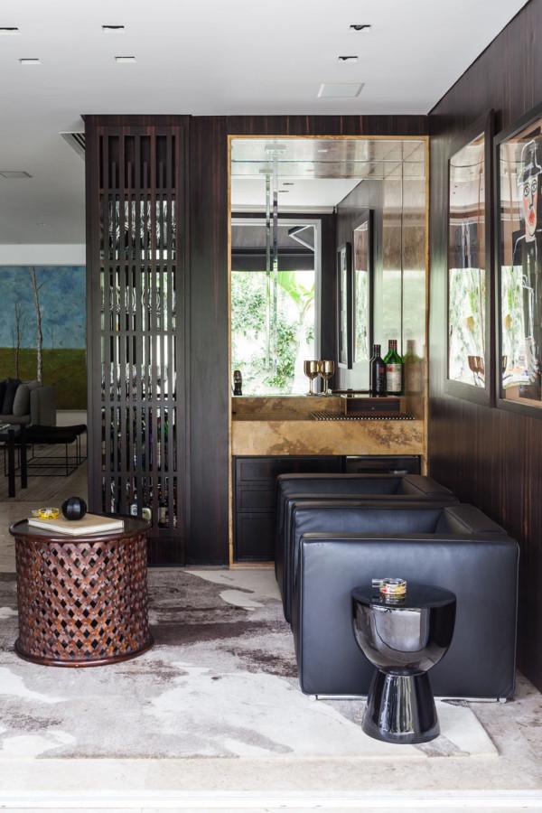 A House for Social Gatherings Amongst Art & Design