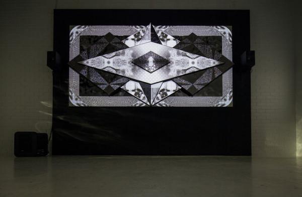 Porcelana-Kit-Webster-3D-tiles-Sculpture-3