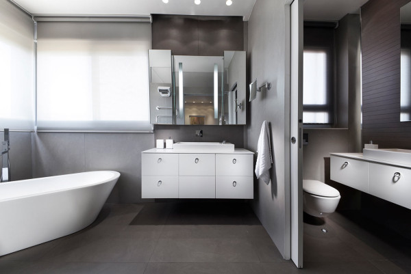 Urban-Apartment-Michal-Schein-10-bath