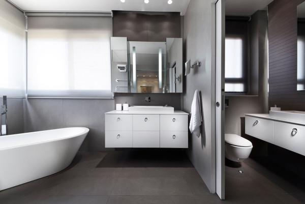 Urban-Apartment-Michal-Schein-10-bath