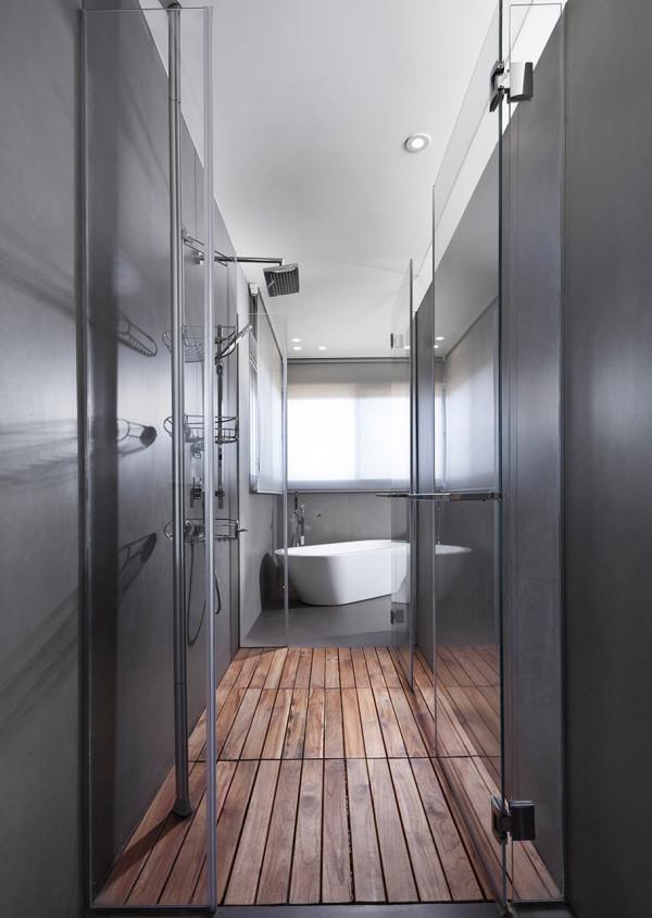 Urban-Apartment-Michal-Schein-11-shower