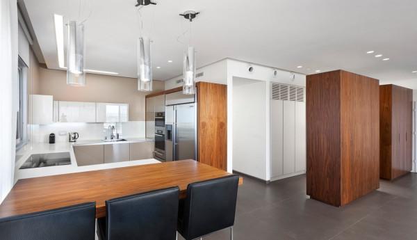 Urban-Apartment-Michal-Schein-6-kitchen