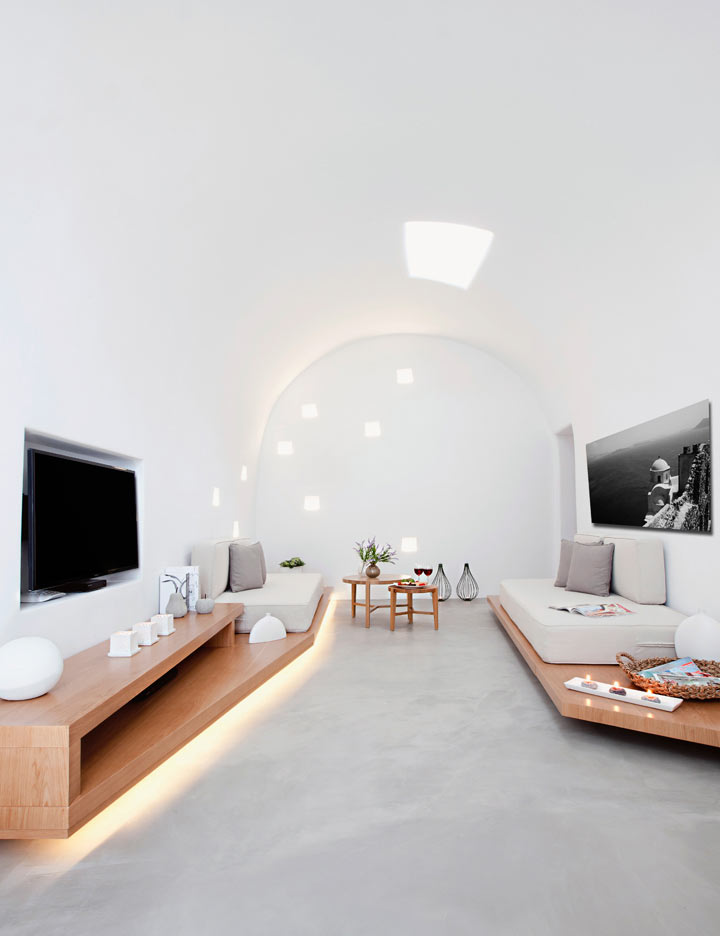 Villa Anemolia: A Little Piece of Santorini Paradise