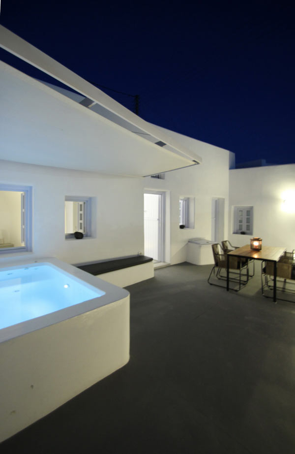 Villa Anemolia: A Little Piece of Santorini Paradise in main architecture  Category