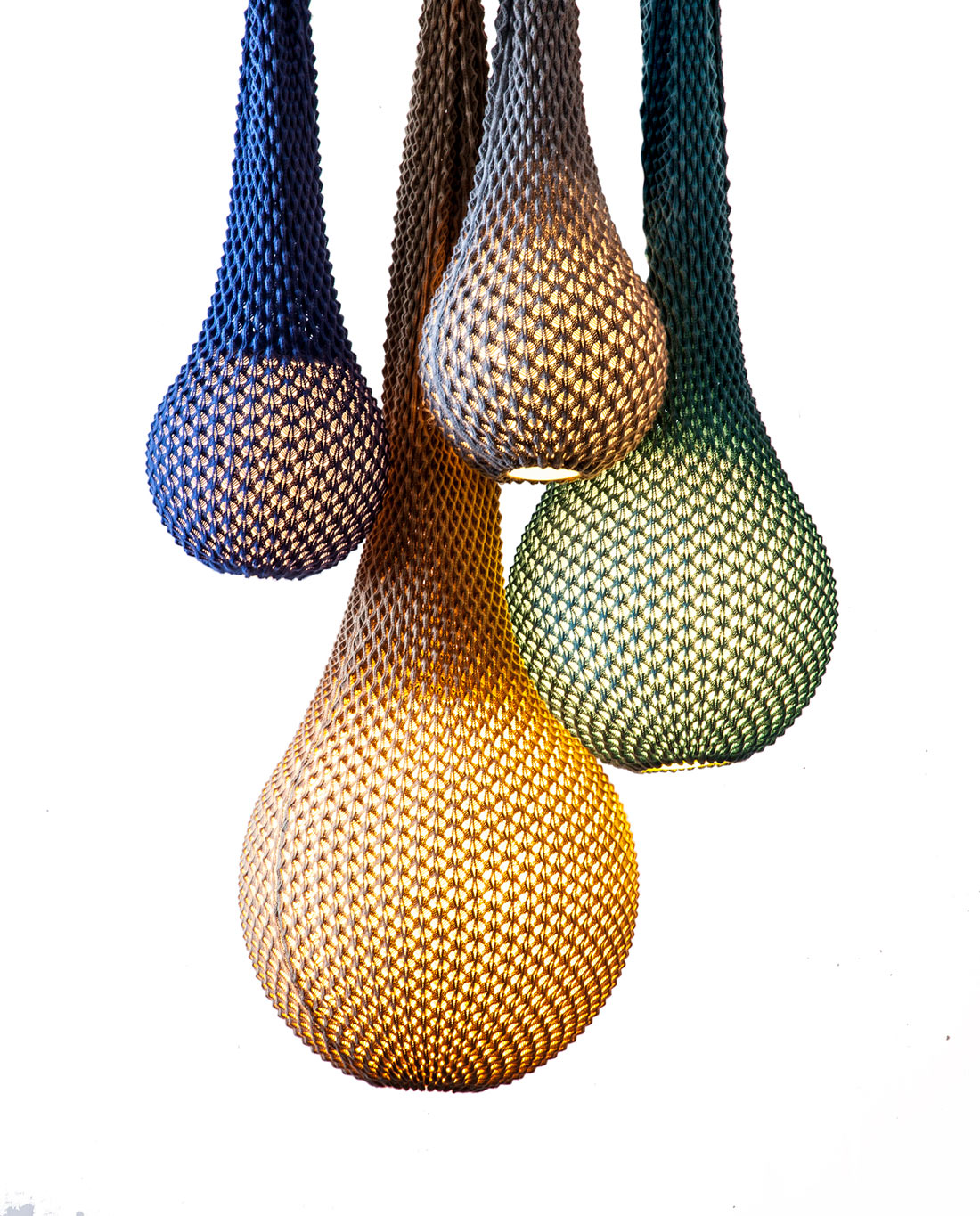 crochet-lamp-shades-ariel-zuckerman-1