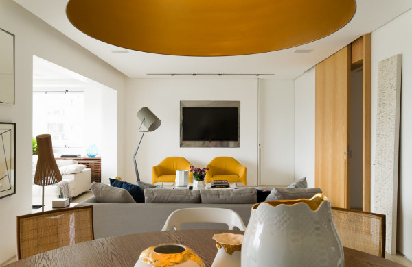 interior design tv diego revollo 600x390 Airy Apartment Interior by Diego Revollo