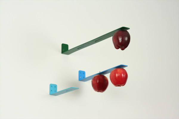 newton-apple-holder-2