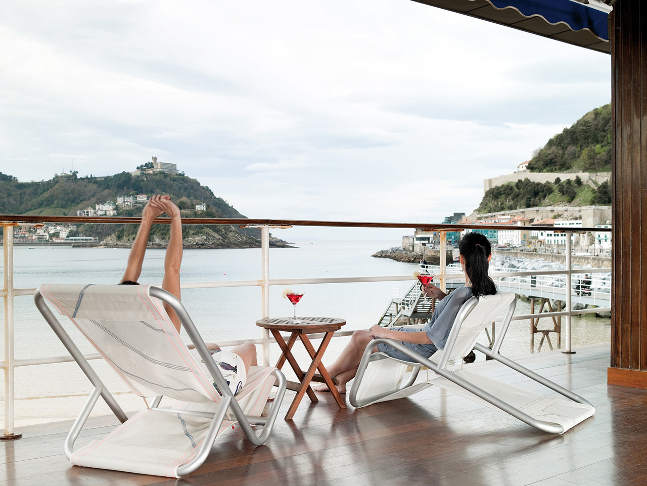 Outdoor Lounge Chairs Made From Recovered Sails