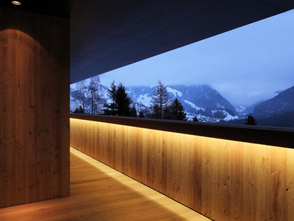 Contemporary-Alpine-House-Ralph-Germann-10