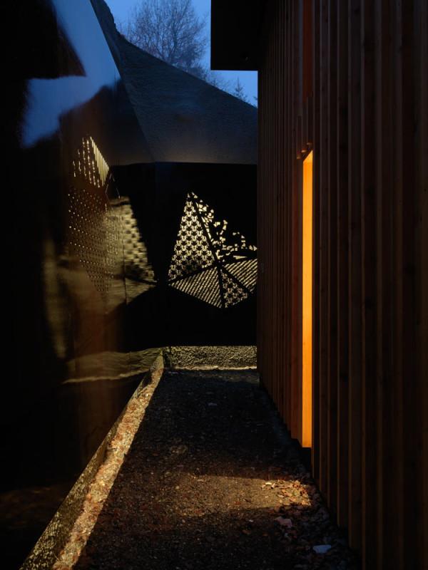Contemporary-Alpine-House-Ralph-Germann-11
