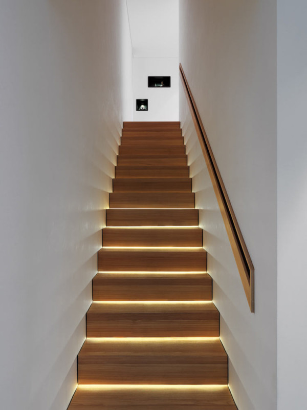 Contemporary-Alpine-House-Ralph-Germann-7-stairs