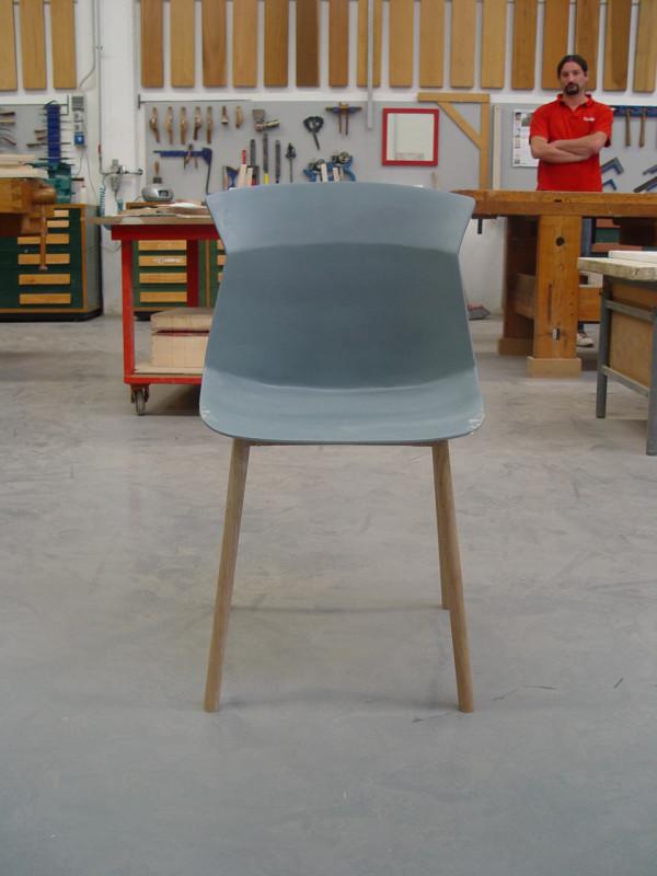 Decon-Motek-Chair-CASSINA-Luca-Nichetto-8-model