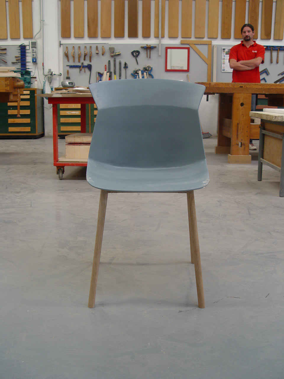 Decon-Motek-Chair-CASSINA-Luca-Nichetto-8-model