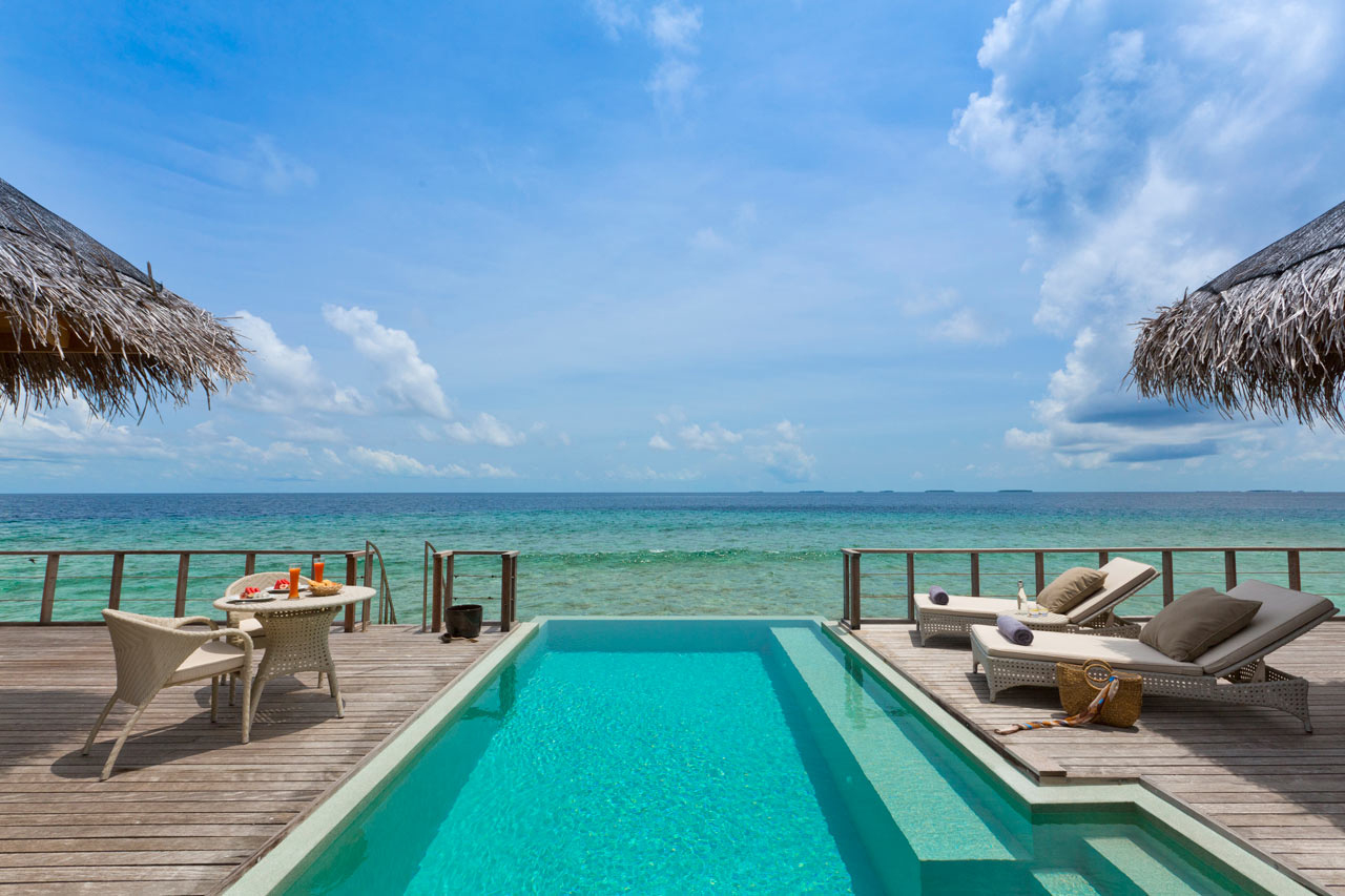 Dusit-Thani-Maldives-Hotel-Resort-11