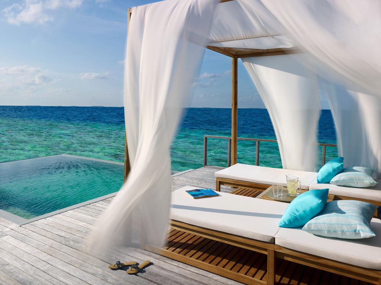 Dusit-Thani-Maldives-Hotel-Resort-14