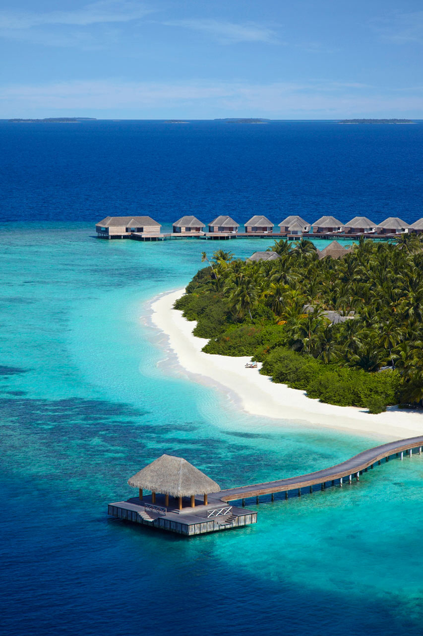 Dusit-Thani-Maldives-Hotel-Resort-2