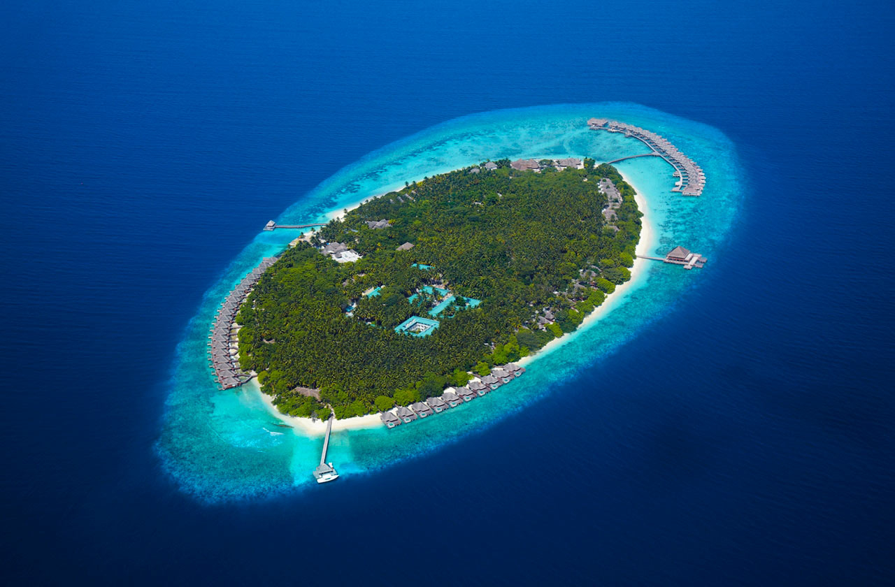 Dusit-Thani-Maldives-Hotel-Resort-3