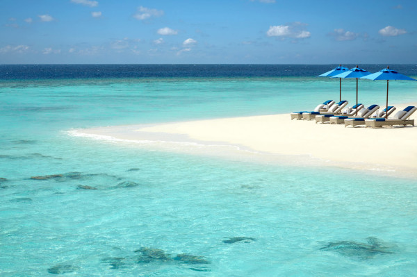 Dusit-Thani-Maldives-Hotel-Resort-4