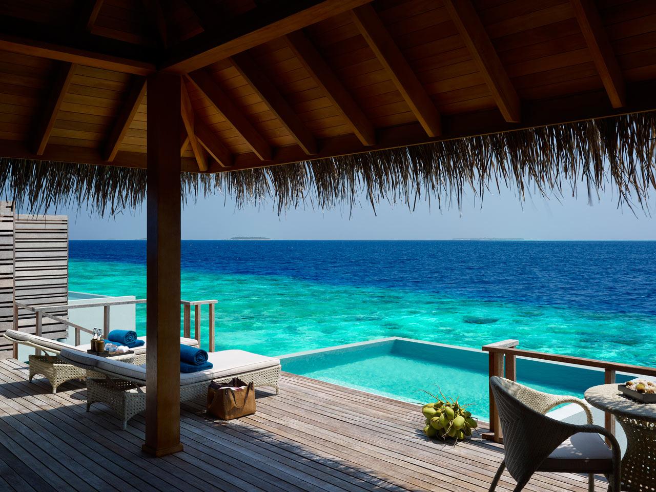 Dusit-Thani-Maldives-Hotel-Resort-7