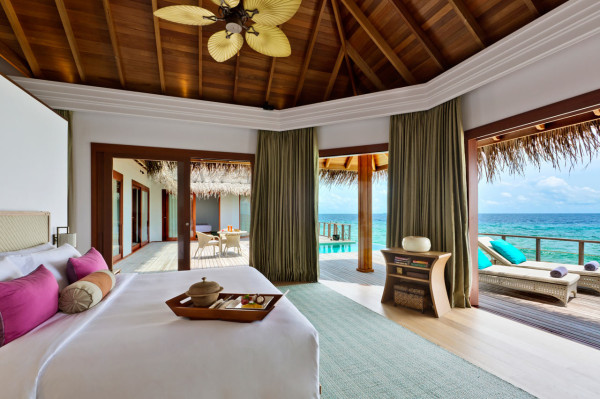 Dusit-Thani-Maldives-Hotel-Resort-9