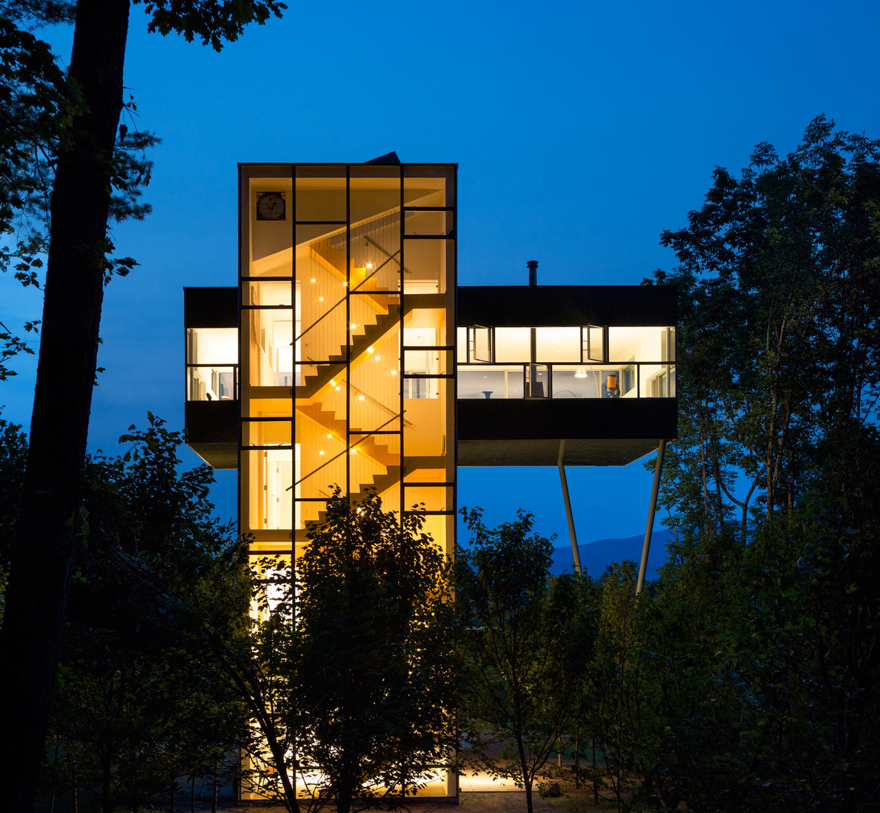 GLUCK+-Tower-House-14-W