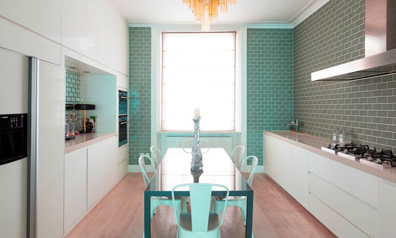Living-Colour-Cleveland-Square-Apartment-8-kitchen