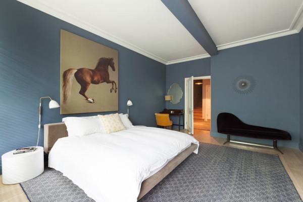 Living-Colour-Cleveland-Square-Apartment-9-bedroom