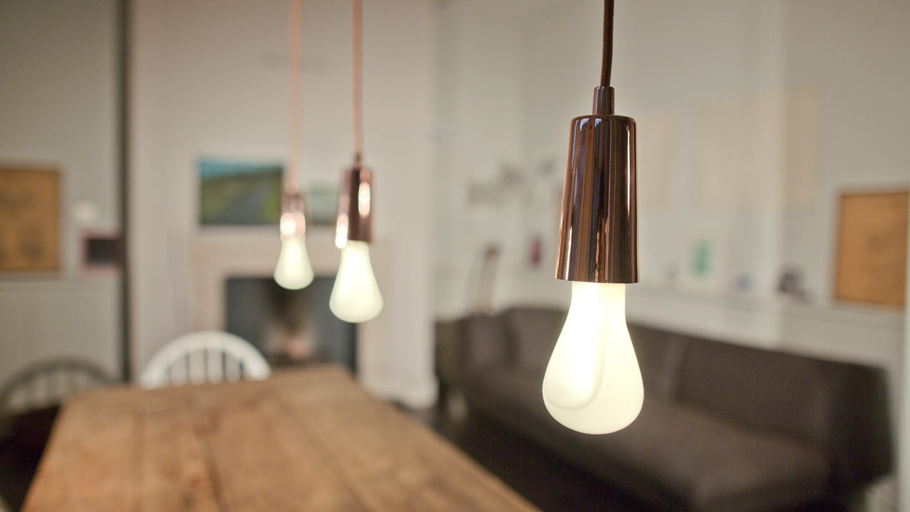Plumen-002-Designer-Low-Energy-Light-Bulb-10