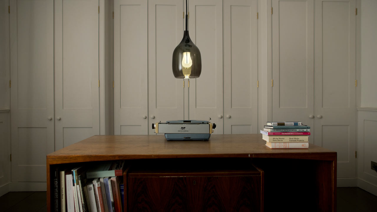 Plumen-002-Designer-Low-Energy-Light-Bulb-12