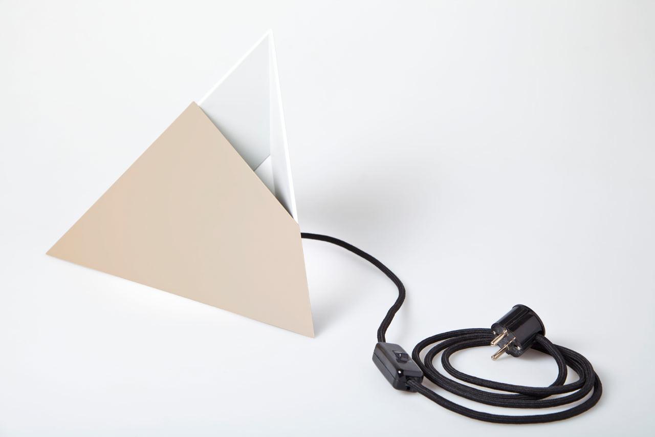Put-Baby-In-The-Corner-Lamp-Scharp-8-beige