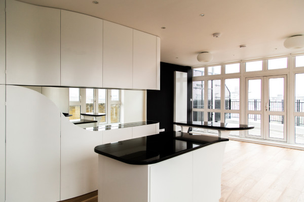 Wapping-Wrap-Penthouse-Apt-atmos-3