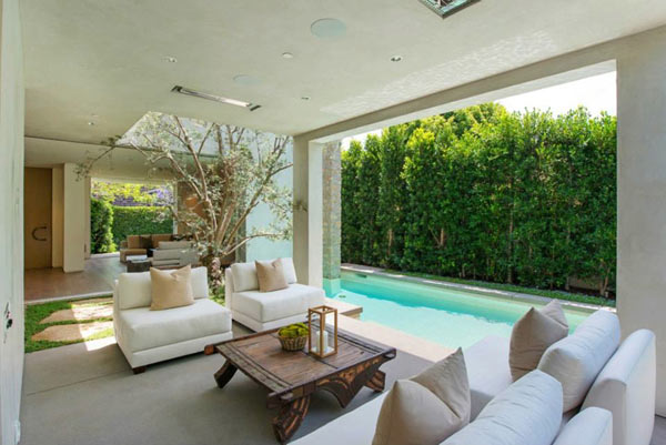 West-Knoll-House-Amit-Apel-Design-10-outdoor-room