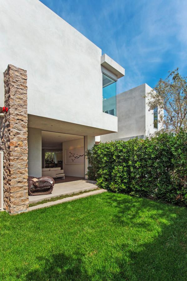West-Knoll-House-Amit-Apel-Design-3