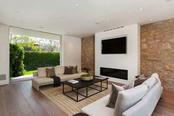 West-Knoll-House-Amit-Apel-Design-8-family-room