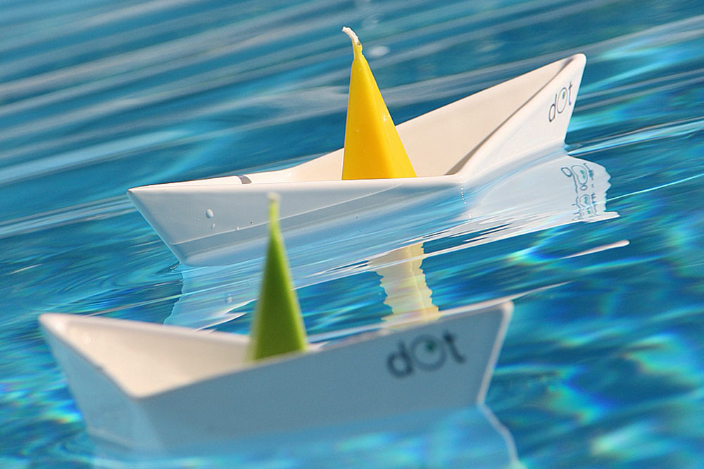Floating Boat Candleholders by dOt