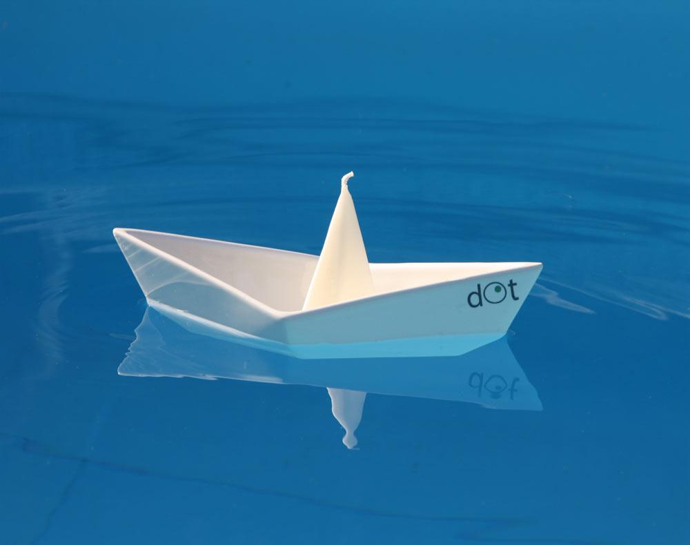 dOt-Boat-Floating-Candleholders-3