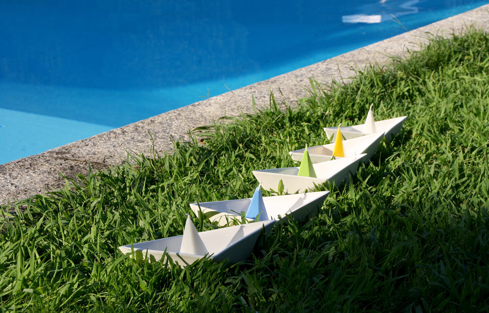 dOt-Boat-Floating-Candleholders-4