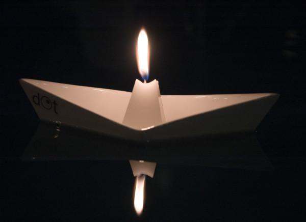 dOt-Boat-Floating-Candleholders-5