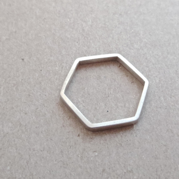 hexagonal-skinny-ring