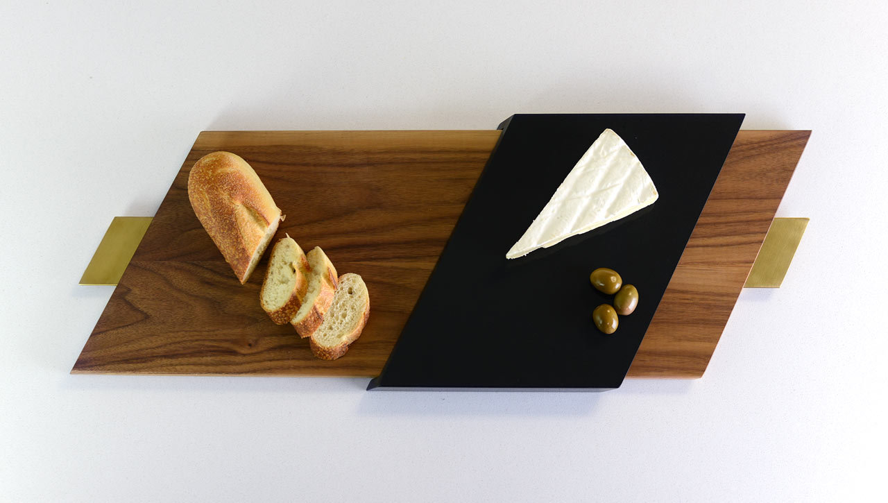 slide-walnut-food-serving-board