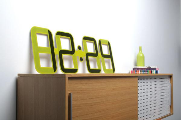 twelve24-eink-clockone-clock