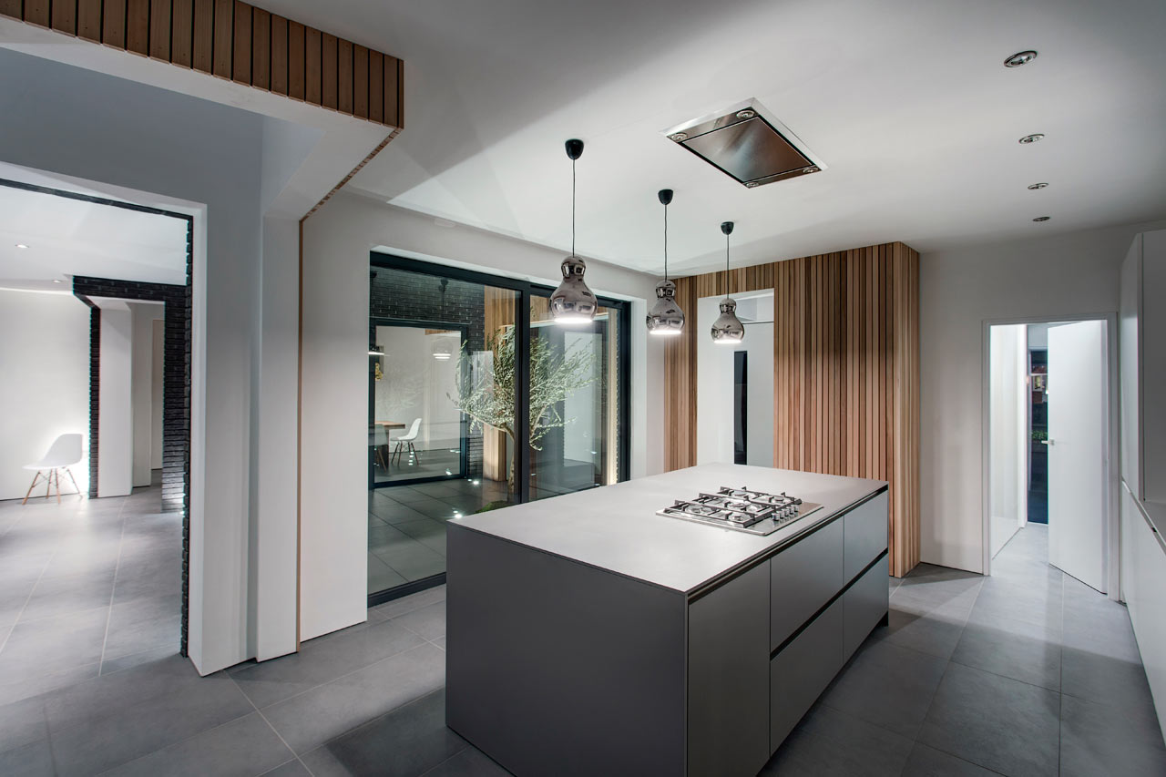 """backReturn to """"4 Views House by AR Design Studio"""""""