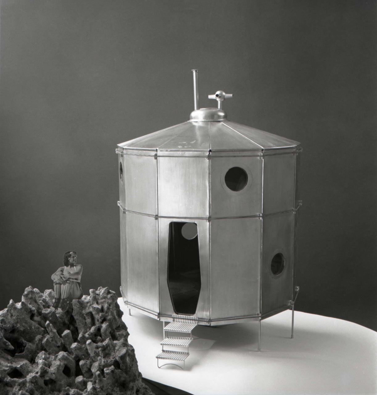 Refuge model, 1938. Copyright Archives Charlotte Perriand, ADAGP 2012.