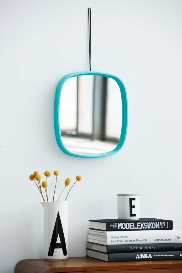 Design-Letters-and-Friends-13-Mirror-Television