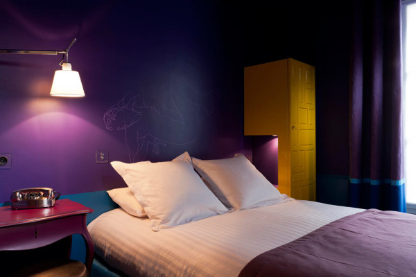 Destin-Crayon-Hotel-Paris-17-violette